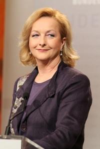 Finanzministerin Fekter kämpft allein gegen Brüssel - ihre Lieblingsrolle