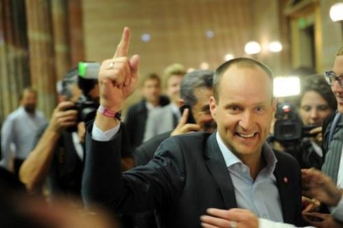 Was will der Sieger der Nationalratswahl 2013? Matthias Strolz am Wahlabend (Foto: Heribert Corn)