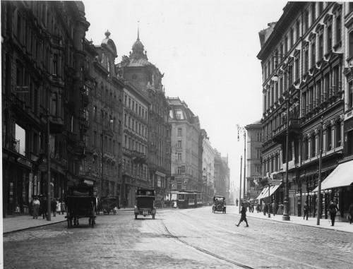 Die Mariahilfer Straße vor ungefähr 100 Jahren (BM 1070)