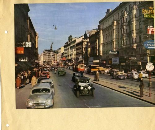 Ein Symbol großstädtischen Schicks: die Mariahilfer Straße in der Nachkriegszeit, schon damals viel befahren (BM 1060)