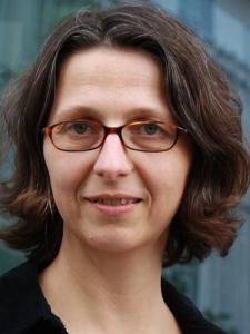 Attac-Ökonomin Alexandra Strickner