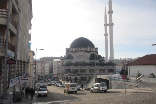Die Moschee im Zentrum von Akdağmadeni