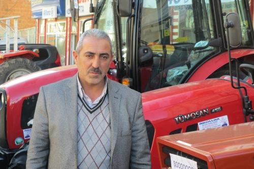Hüseyin Akol sparte in Wien und eröffnete dann in Akdağmadeni sein Geschäft für türkische Tümosan-Traktoren