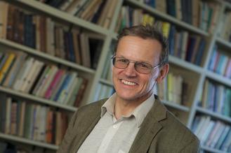 Wilfried Altzinger, 55, ist Makroökonom an der Wiener Wirtschaftsuni. Er befasste sich unter anderem mit Österreichs Außenhandel und der Wirksamkeit von Direktinvestitionen im Ausland (Foto: WU)