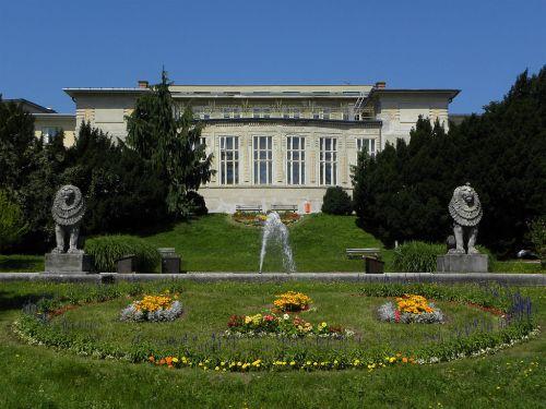 Auf dem Gelände des Otto-Wagner-Spitals schaut sich eine chinesische Delegation um (Foto: Wikipedia)