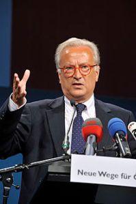 Übt scharfe Kritik an der EU-Krisenpolitik: Hannes Swoboda (Foto: Wikipedia)