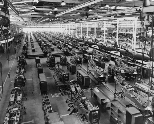 Ursprünglich konzipiert, um das Rüstungspotential in den USA im Zweiten Weltkrieg zu optimieren: Das Bruttoinlandsprodukt misst die gesamte Produktion an Gütern und Dienstleistungen pro Land und Jahr (Foto: Wikipedia)