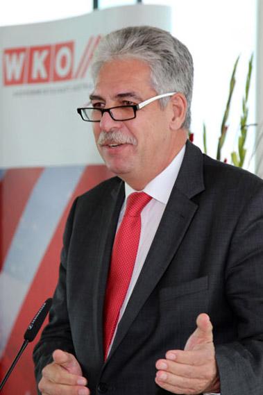 Österreichs ÖVP-Finanzminister Hans Jörg Schelling reichte eine fragwürdige Projektliste mit Investitionsvorhaben bei der Brüsseler EU-Kommission ein (Foto: Wikipedia)