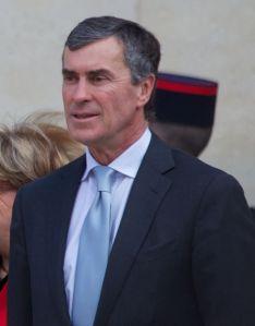 Als auf den Rücktritt von Jerome Cahuzac eine Kabinettsumbildung folgte, hätte das beinahe den Tod der Steuer bedeutet (Wikipedia)